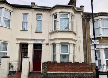 Thumbnail 1 bedroom flat for sale in Southend-On-Sea, ., Essex