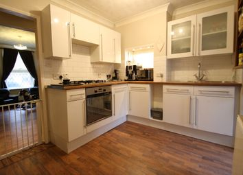 Thumbnail 2 bed cottage for sale in High Street, Aveley, South Ockendon