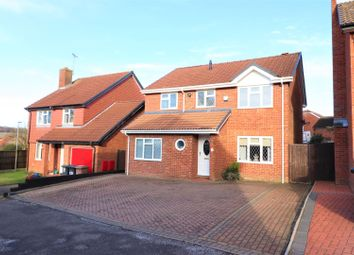 Thumbnail 5 bed detached house for sale in Heron Drive, Luton