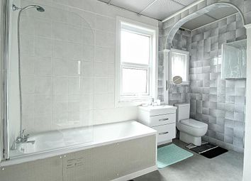 1 bed flat to rent in Morieux Road, London, Leyton, London E10