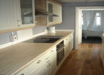 Thumbnail 2 bed cottage to rent in Ealing Road, Brentford, Middlesex