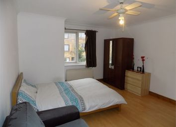 Thumbnail Room to rent in Shackleton Place, Oldbrook, Milton Keynes, Buckinghamshire