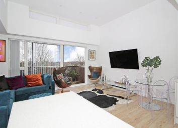 Thumbnail 2 bedroom flat for sale in Station Approach South, Welling