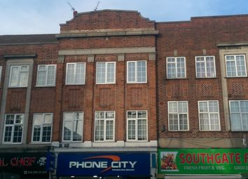 Thumbnail 3 bedroom flat to rent in Chase Side, Southgate