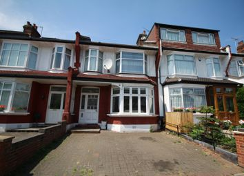 Thumbnail 2 bed flat for sale in Caversham Avenue, Palmers Green