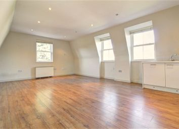 2 bed flat to rent in Mare Street, London E8