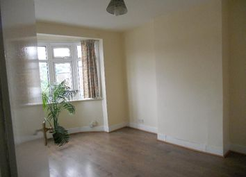 Thumbnail 3 bedroom flat to rent in Green Lane, Ilford, Essex