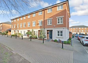 4 bed end terrace house for sale in Salisbury Close, Rayleigh SS6