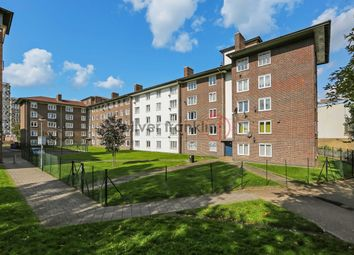 Thumbnail 2 bed flat to rent in Roman Road, Bethnal Green