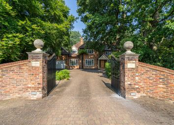 Howards Thicket, Gerrards Cross, Buckinghamshire SL9. 5 bed detached house
