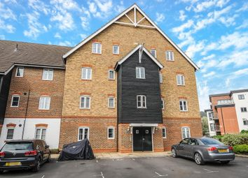 Thumbnail 1 bed flat to rent in Wye Gardens, High Wycombe