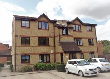 Thumbnail Studio to rent in Courtlands Close, Watford