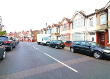 1 bed flat to rent in Winchester Road, London N9