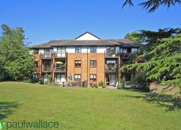 Thumbnail 1 bedroom flat for sale in The Knowle, Hoddesdon