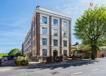 Thumbnail 1 bedroom flat for sale in Coombe Road, Brighton