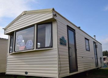 2 bed property for sale in Clacton-On-Sea CO15