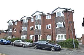 Thumbnail 2 bed flat to rent in Carpenters Court, Alderley Edge, Cheshire