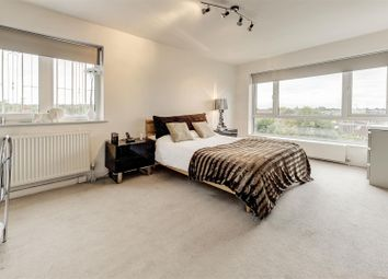 Thumbnail 3 bed flat to rent in Temple Fortuyne Lane, Hampstead Garden Suburb