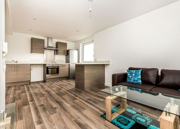 2 bed flat to rent in Parkwood Rise, Keighley BD21
