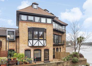 Thumbnail 2 bedroom flat for sale in Bridge Wharf Road, Isleworth