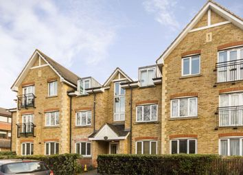 Thumbnail 2 bed flat to rent in Hollyfield Road, Surbiton