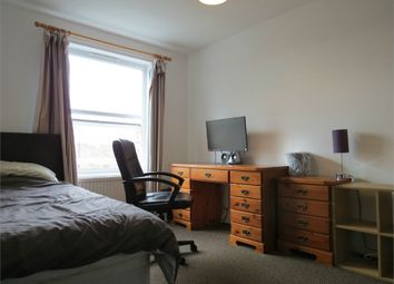 Thumbnail Room to rent in Dales Road, Borehamwood, Hertfordshire