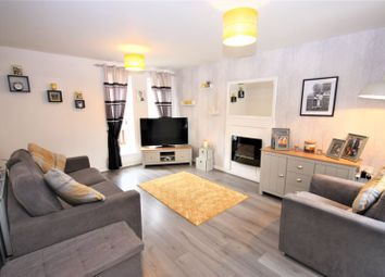 3 bed property for sale in Heathfield Square, Hull HU3