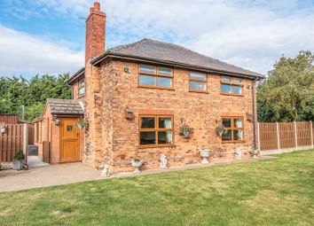 Thumbnail 3 bed detached house for sale in Fountain Hill, Walkeringham, Doncaster