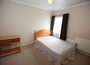 Thumbnail 1 bed flat to rent in Willow Tree Lane, Hayes