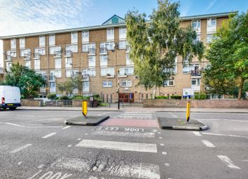 Thumbnail 2 bed flat to rent in Broadoak Court, London