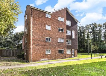 Thumbnail 2 bedroom flat for sale in Amersham, Buckinghamshire