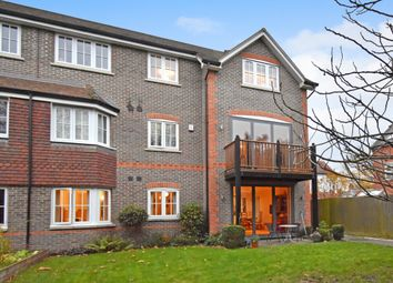St. Johns Road, Newbury RG14. 2 bed flat for sale
