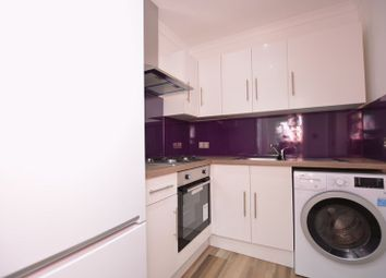 Thumbnail 1 bed flat to rent in High Street, Langley, Slough
