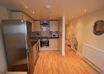 Thumbnail 4 bed flat to rent in Old Kent Road, Peckham