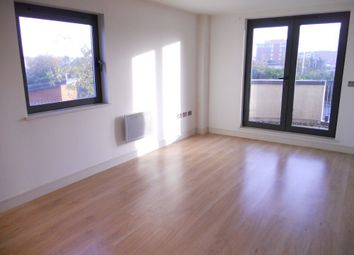 2 bed flat to rent in Galleon Way, Cardiff CF10