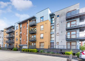 Commonwealth Drive, Three Bridges, Crawley, West Sussex RH10. 1 bed flat for sale