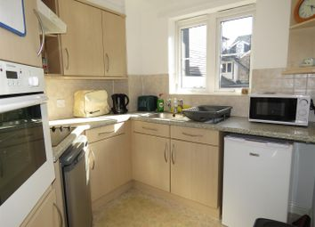 Thumbnail 1 bed flat for sale in Fish Hill, Royston