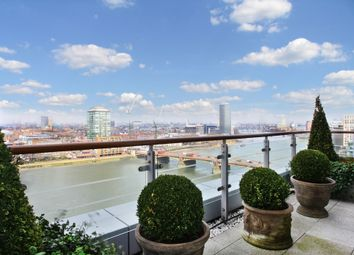 Thumbnail 4 bed flat for sale in Kestrel House, St Georges Wharf, London