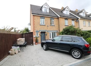 4 bed property for sale in Genas Close, Ilford IG6