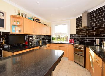 2 bed flat for sale in Mount Ephraim, Tunbridge Wells, Kent TN4