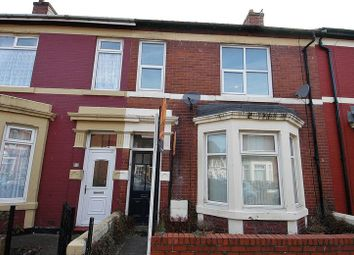 Thumbnail 2 bed flat to rent in Laburnum Avenue, Wallsend