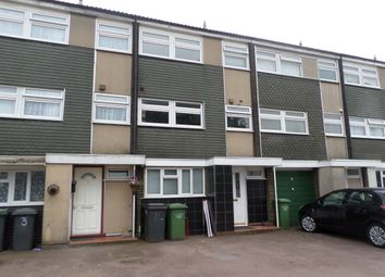 Thumbnail 5 bed town house to rent in Axe Close, Luton