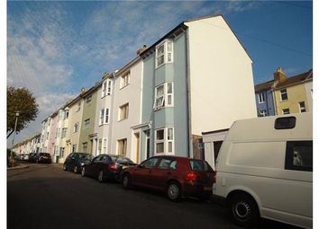 3 bed end terrace house to rent in Whichelo Place, Brighton BN2