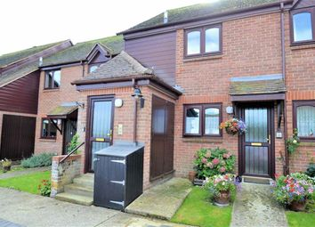 Thumbnail 2 bed flat for sale in Marshalls Court, Speen, Newbury, Berkshire