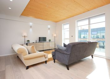 Thumbnail 3 bedroom flat to rent in Curtain Place, London