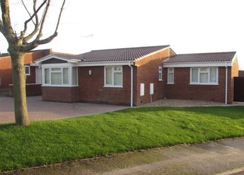 Thumbnail 3 bed bungalow to rent in Hurst Park Road, Twyford, Reading