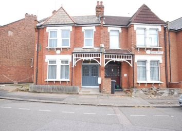 Thumbnail 4 bed property to rent in Clyde Circus, London