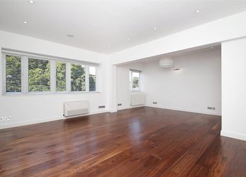 Thumbnail 3 bed flat to rent in Avenue Close, Avenue Road, London