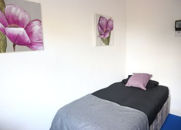 Thumbnail Room to rent in Goldicroft Road, Wednesbury