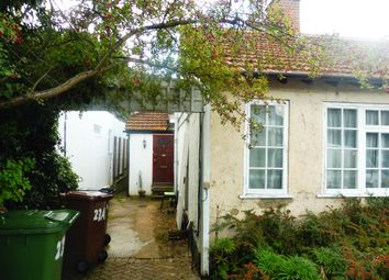 Thumbnail 1 bed flat to rent in Chiltern Avenue, Bushey